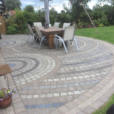 Planting, with Mozak Lawn Savon Versuro Paving wuth Argent Slab Edging Cobble Sett, Semi Circle Patio in Different Colors and Textures