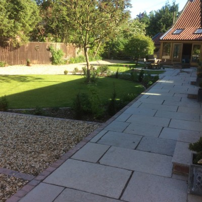 Antique Style Yorkshire Paving with Deco Setts, Golden Gravel and New Turf